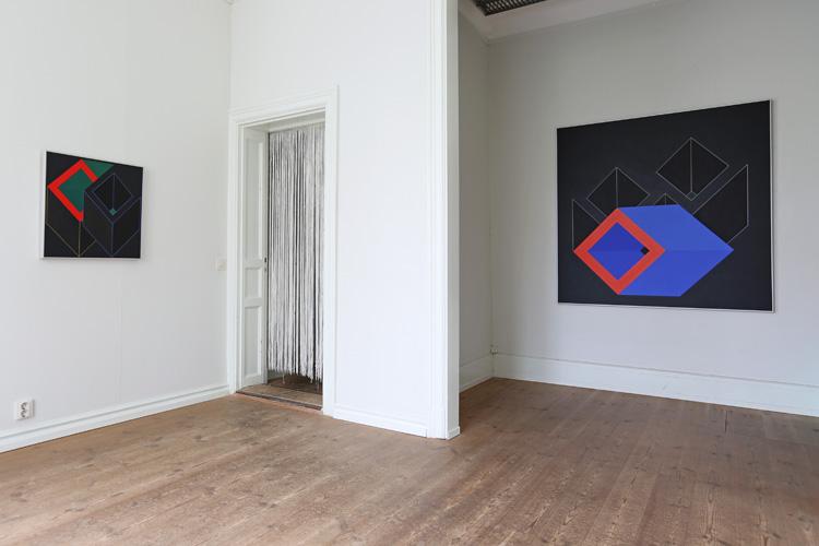 Cajsa Holmstrands målningar i rum 6.